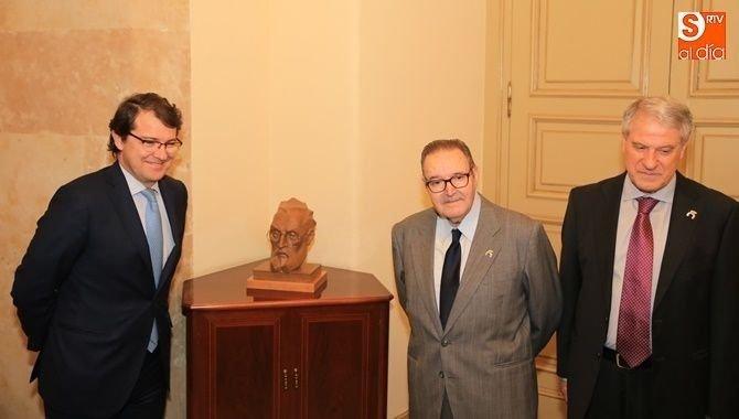 Agustín Casillas, miembro de honor del CES